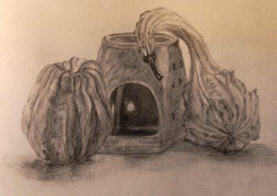 Zierkürbisse und Duftlampe - Zeichnung ©Ann-Kristin Iwersen 2018.